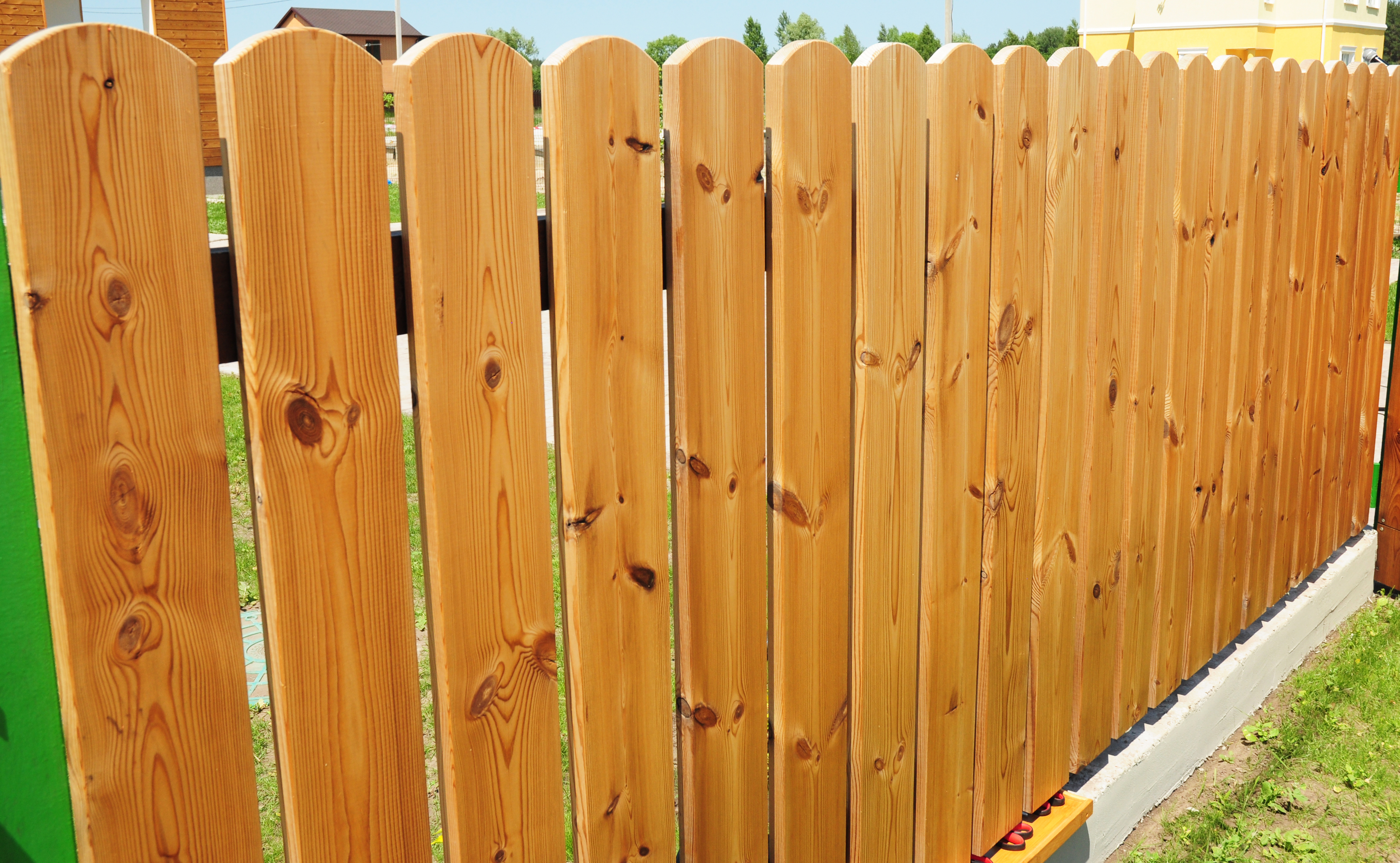 When to Install a Fence Arlington Heights