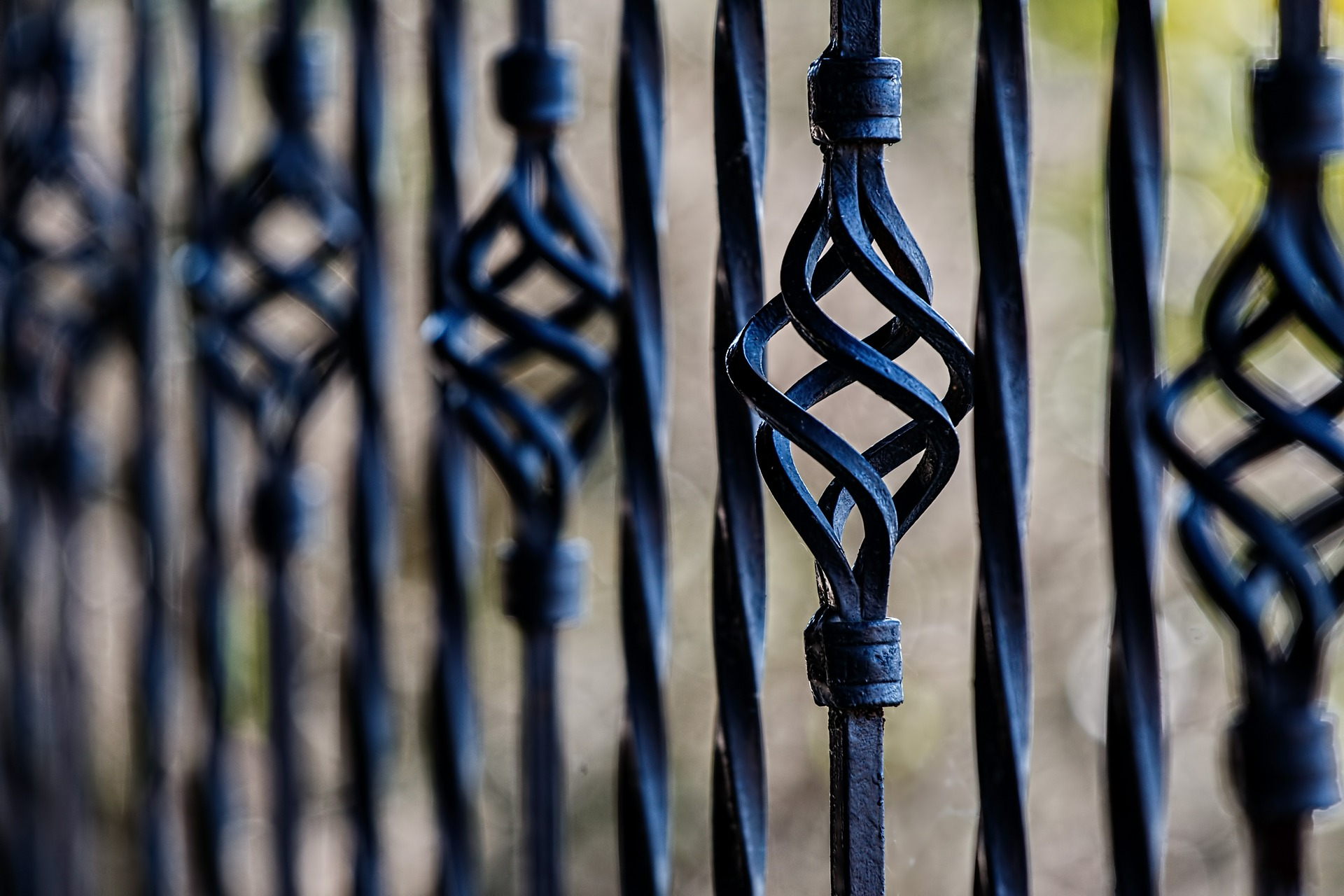 fence-450670_1920